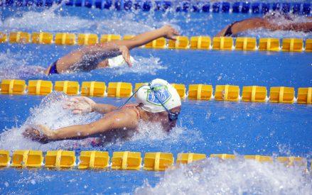 Nadadores al último evento de la temporada 2020-2021